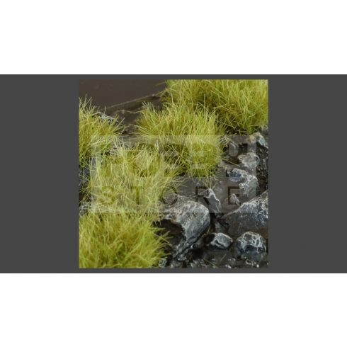 Gamers Grass TUFTS Realisztikus DRY GREEN XL- száraz zöld színű fűcsomók diorámához 36 darab (12 mm self-adhesive -DRY GREEN XL)